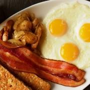desayuno huevo